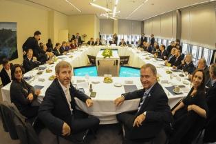 Convocan a los gobernadores para informarlos sobre el pedido al FMI