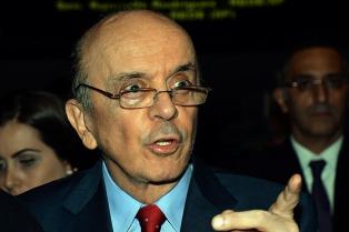 El canciller Serra renunció por problemas de salud y vuelve al Senado