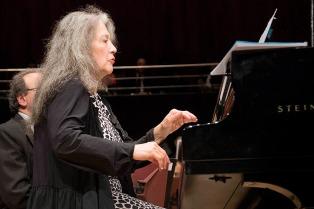 """Martha Argerich juzgó """"lamentable"""" el conflicto de la Orquesta Sinfónica Nacional"""