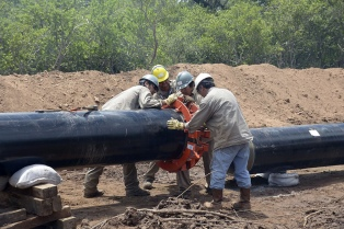 Oficializan el llamado a licitación para construir un gasoducto entre Neuquén y Buenos Aires