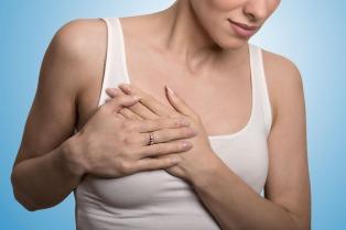 Combinar dos drogas y quimioterapia prolonga la sobrevida de pacientes con un tipo de cáncer de mama