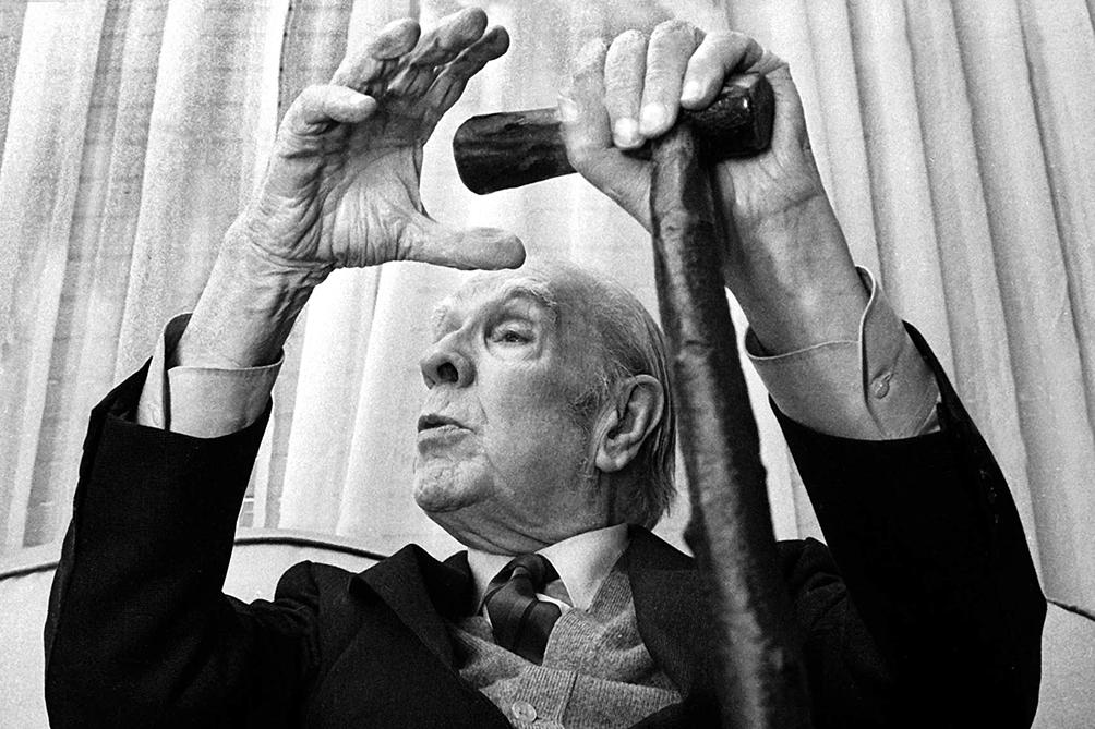 Repondrán una placa en homenaje a Borges en el centro porteño