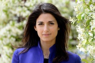 Piden 10 meses de prisión para la alcaldesa de Roma por falso testimonio