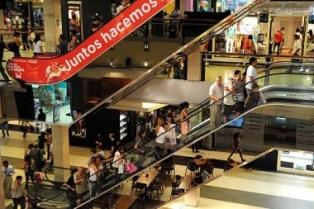 Las ventas minoristas cayeron 13,4% en abril, según CAME
