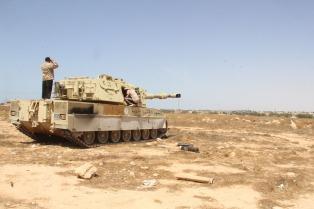 La batalla final por el control de Trípoli estalla con el jefe de la ONU como testigo