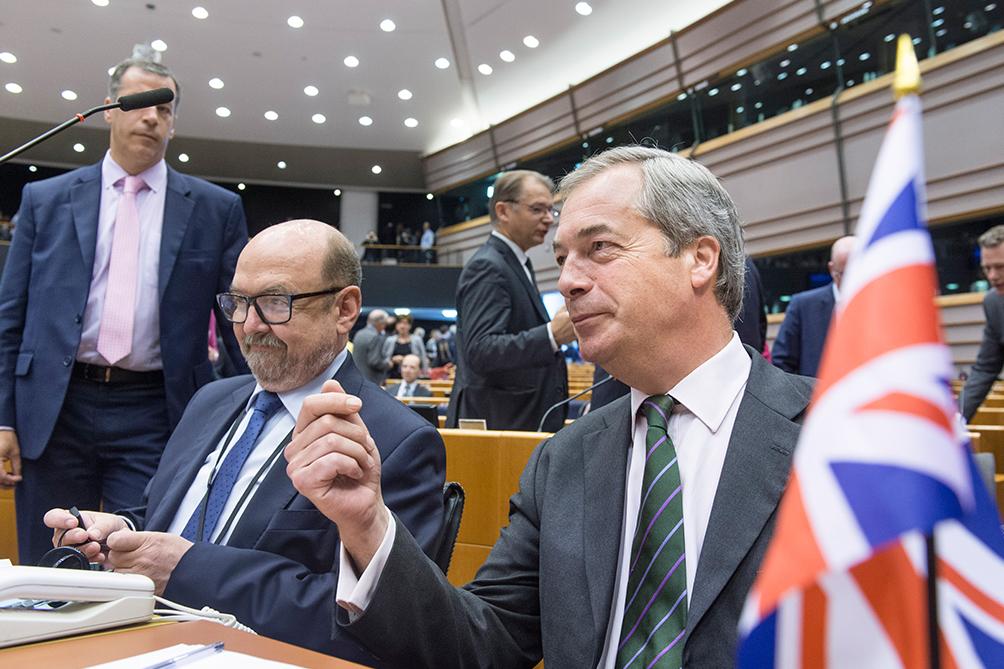 La cúpula de la Comisión Europea está convencida que se concretará el Brexit