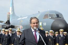 El ministro de Defensa indic� la necesidad de equipar a las FFAA para tareas humanitarias