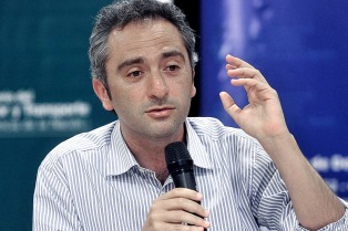"""Para Larroque, Cristina Kirchner tendrá un """"alto protagonismo"""" en la campaña"""