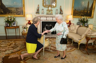 La reina Isabel II promulgó la ley del Brexit