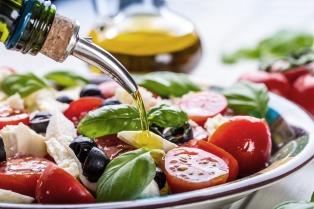 Buscan promover la alimentación saludable para combatir la hipertensión y el sobrepeso