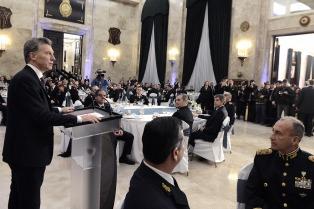 """Macri afirmó que las Fuerzas Armadas """"hoy son reconocidas y valoradas"""""""