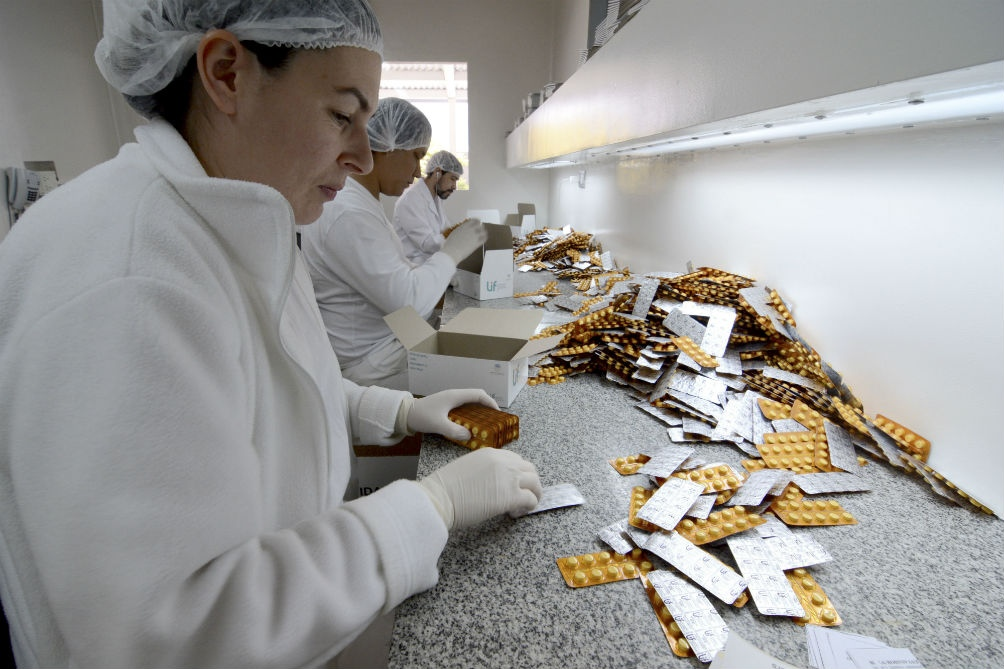 El Laboratorio Industrial Farmacéutico santafecino proveerá medicamentos al Estado nacional
