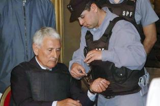 El hijo de Jorge Julio López repudió el fallo que le otorga prisión domiciliaria a Etchecolatz