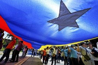 La oposición denuncia que el Gobierno abandono el diálogo