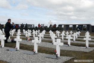 El Gobierno confirma una reunión con Londres en diciembre para acordar la identificación de ex combatientes en Malvinas