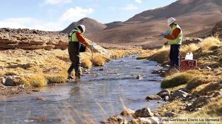 """Inspectores de Ambiente verifican si hubo """"afectación interjurisdiccional"""" tras un nuevo derrame en la mina Veladero"""