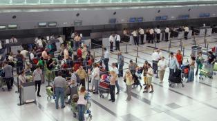La cantidad de pasajeros de avión en el país creció 14,6% en un año