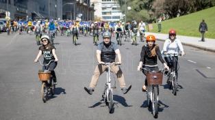 Premiarán con 300 pesos y el desayuno a municipales que vaya a trabajar en bicicleta