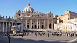 El Vaticano informó una leve caída en el porcentaje de católicos en el mundo