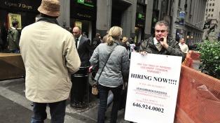 Vuelven a caer las solicitudes de subsidio por desempleo, más de lo esperado