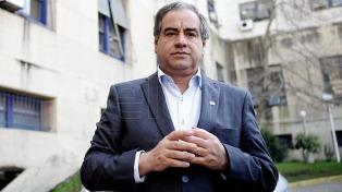 El ministro de Defensa también se despegó de los dichos de Gómez Centurión