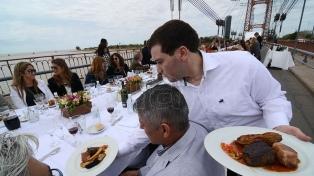La oferta gastronómica y turística se presenta en la costanera de Posadas