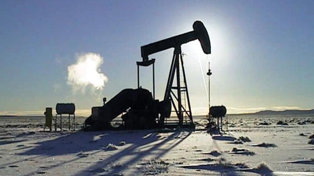 Precio del petróleo baja al aliviarse las tensiones en Siria