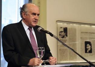 Parrilli fue procesado por defraudación con un libro sobre el kirchnerismo que nunca se publicó
