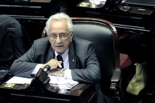 Diputados del FPV-PJ pidieron juicio político contra Irurzun y Farah