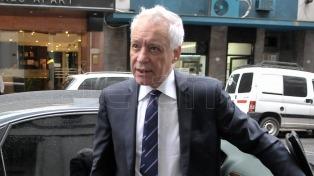 Víctor Blanco resultó reelecto como presidente por amplio margen