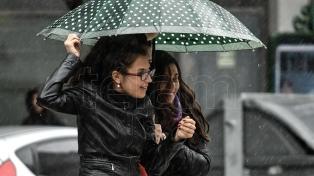 Por la tarde cesarán las lluvias pero seguirá nublado y ventoso