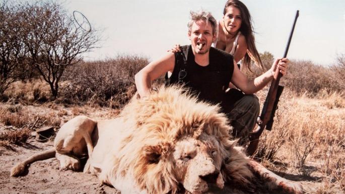 Polémica por fotos de Garfunkel y Vanucci cazando animales
