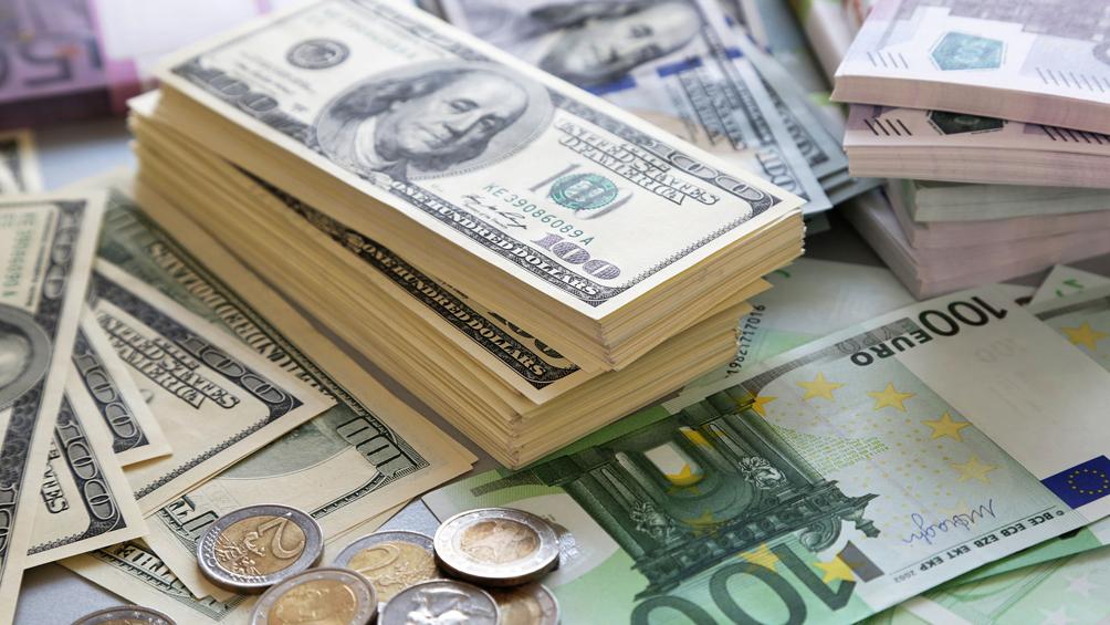Convocan a bonistas para formar un comité y negociar deuda con la Argentina