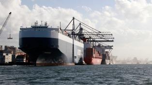 El intercambio comercial durante enero dejó un déficit de  U$S 106 millones