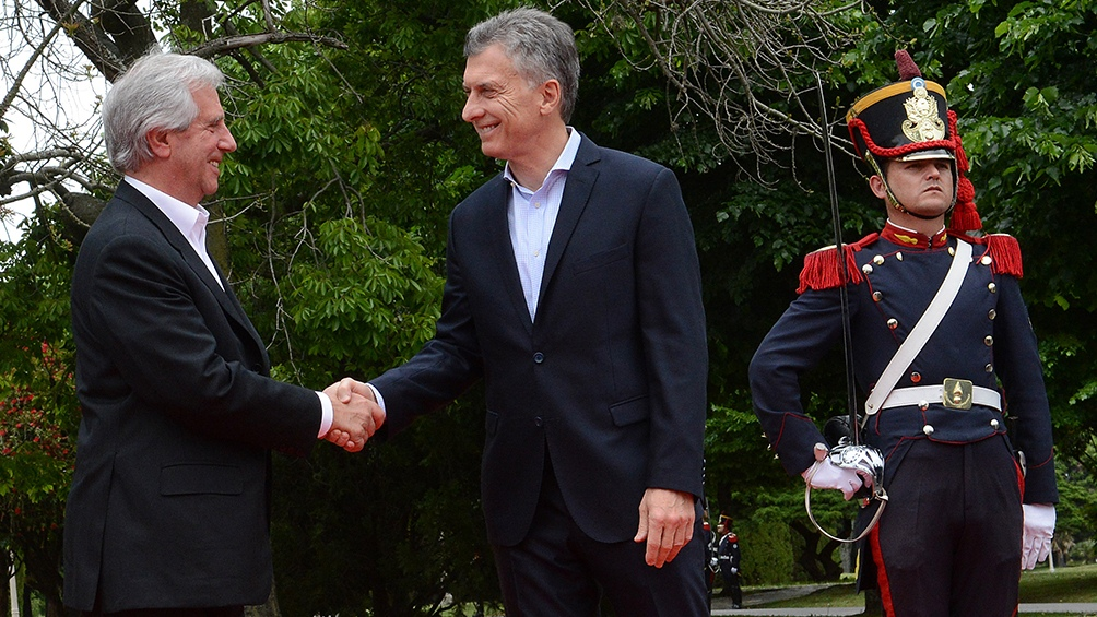 Vázquez y Macri inauguraron la nueva embajada de Uruguay en Buenos Aires