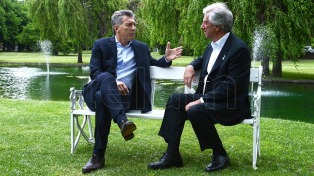 Macri recepciona presidente uruguaio na residência de Olivos