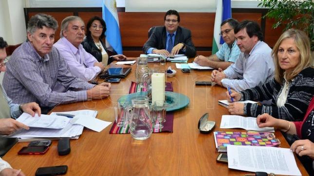 Docentes argentinos inician paro de 48 horas