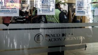 Bancarios argentinos entran en paro durante 24 horas