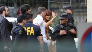 El abogado de Cristina Kirchner pidió revocar su prisión preventiva