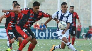 Patronato goleó a San Martín 3 a 0 en Paraná
