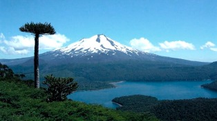 Chile busca atraer al turismo de compras argentino a sus centros de esquí