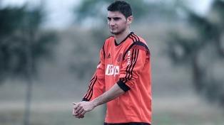 Alario hizo fútbol tras 42 días y podría ir al banco ante Unión