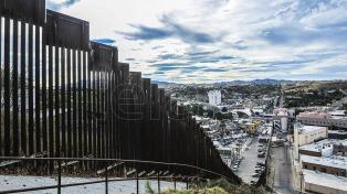 Los hashtags invadieron Twitter en contra de la construcción del muro de Trump