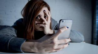 Lo procesaron por enviar fotografías de sus genitales por Whatsapp a una menor