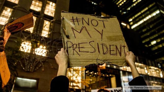 Inmigrantes protestaron contra Donald Trump en Nueva York