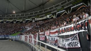 """Dos hinchas de River detenidos y otros 200 de la barra """"disidente"""" impedidos de ingresar al estadio"""