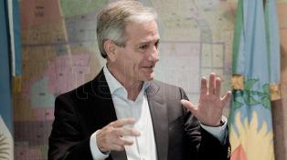 Ibarra dijo que el bono a estatales no arrastra a las provincias