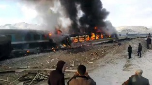 Al menos 40 muertos al chocar dos trenes de pasajeros