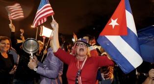 Baile y música en Miami para celebrar la muerte de Fidel Castro