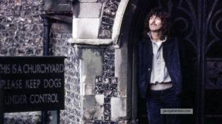 Sale a la venta una edición especial del disco homenaje a George Harrison a 75 años de su nacimiento